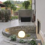 Dezente Beleuchtung einer Terrasse