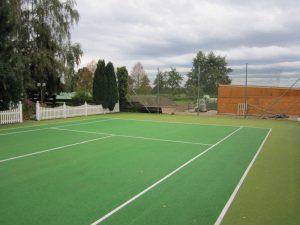 Nacherbild der Pflege eines Sportplatztes
