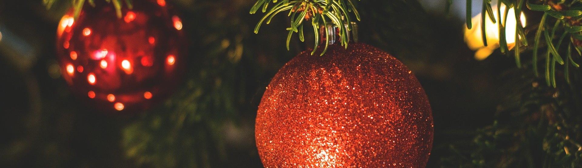 Zum Jahresausklang möchten wir Ihnen die allerbesten Wünsche schicken.